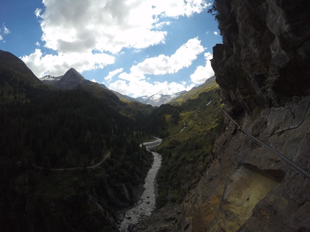 Blick hinauf in die Ötztaler Gletscherwelt