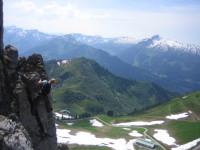 Walsersteig Kanzelwand - im Hintergrund der Hohe Ifen