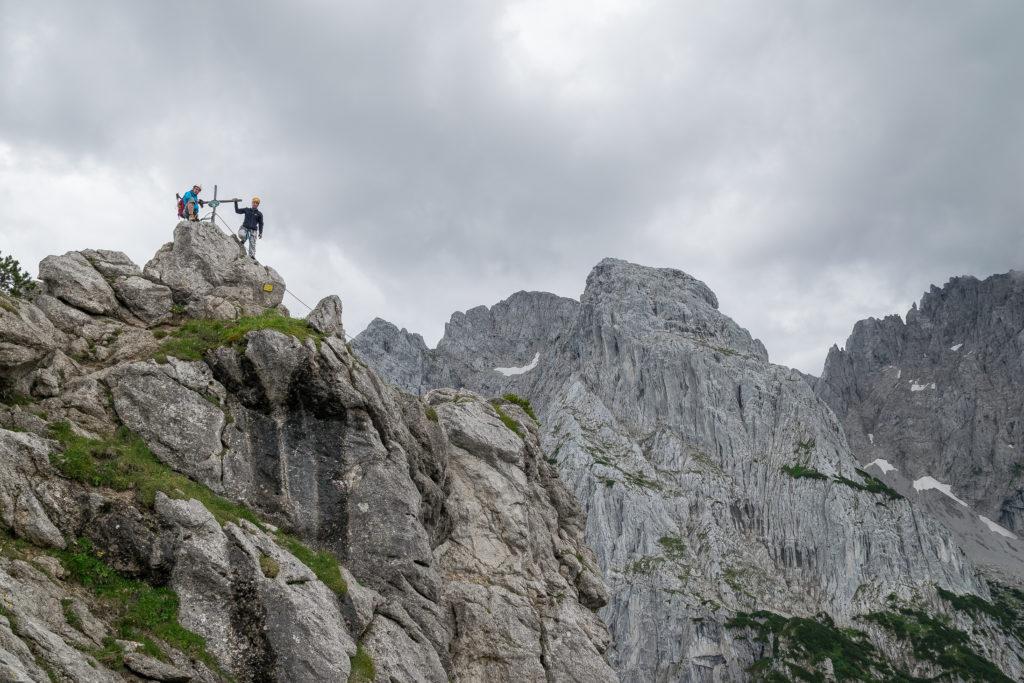 Am Gipfel des Hundskopf - Im Hintergrund das Totenköpfl