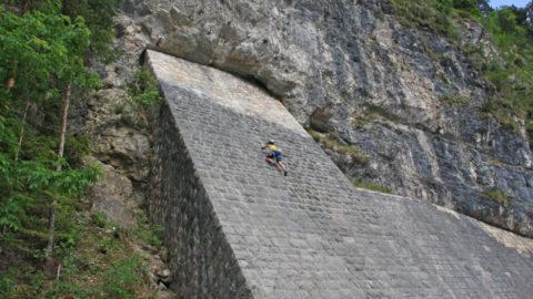 Klettergarten Achenseehof – Klettern an der Tunnelmauer