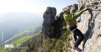 Unterwegs im Klettersteig - Bild: Hugo Pedelvia
