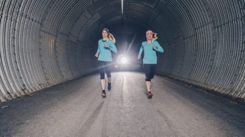 Viking Footwear Power Girls sammeln beim GORE-TEX® Transalpine-Run für Outdoor against Cancer