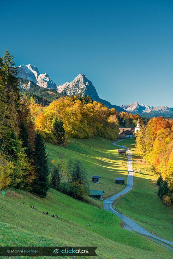 Wamberg mit Blick auf Zugspitze und Waxenstein - Bild: Manfred Kostner